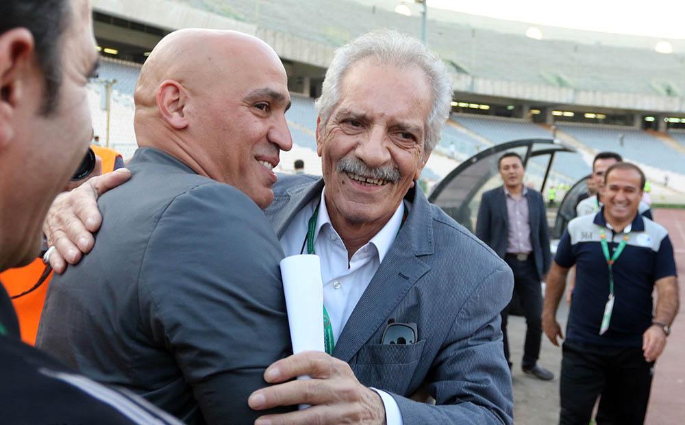 منصور پورحیدری پس از ماهها مبارزه با بیماری، امروز در سن ۷۰ سالگی درگذشت